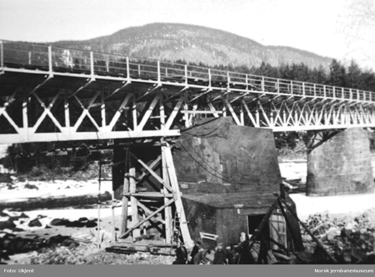 Bru over Lågen ved Langsveen, reparasjon av pillar