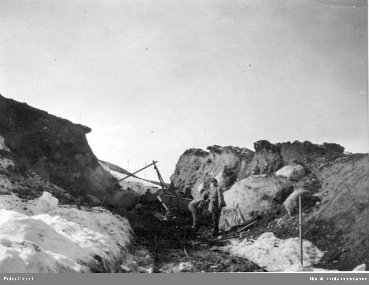 Anleggsarbeidere i skjæring nr. 10 Ø ved Kolberg