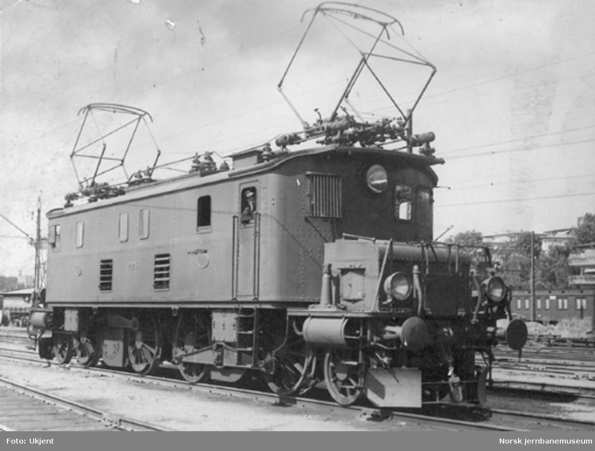 Elektrisk lokomotiv El 2 nr. 2023 på Filipstad