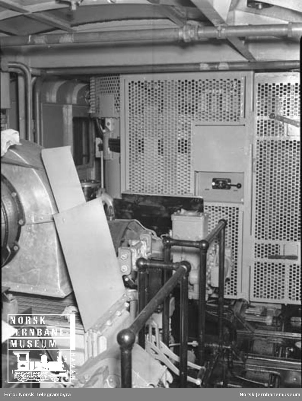 Nye elektriske lokomotiver type El 11 : produksjonen på Thunes mek. verksted