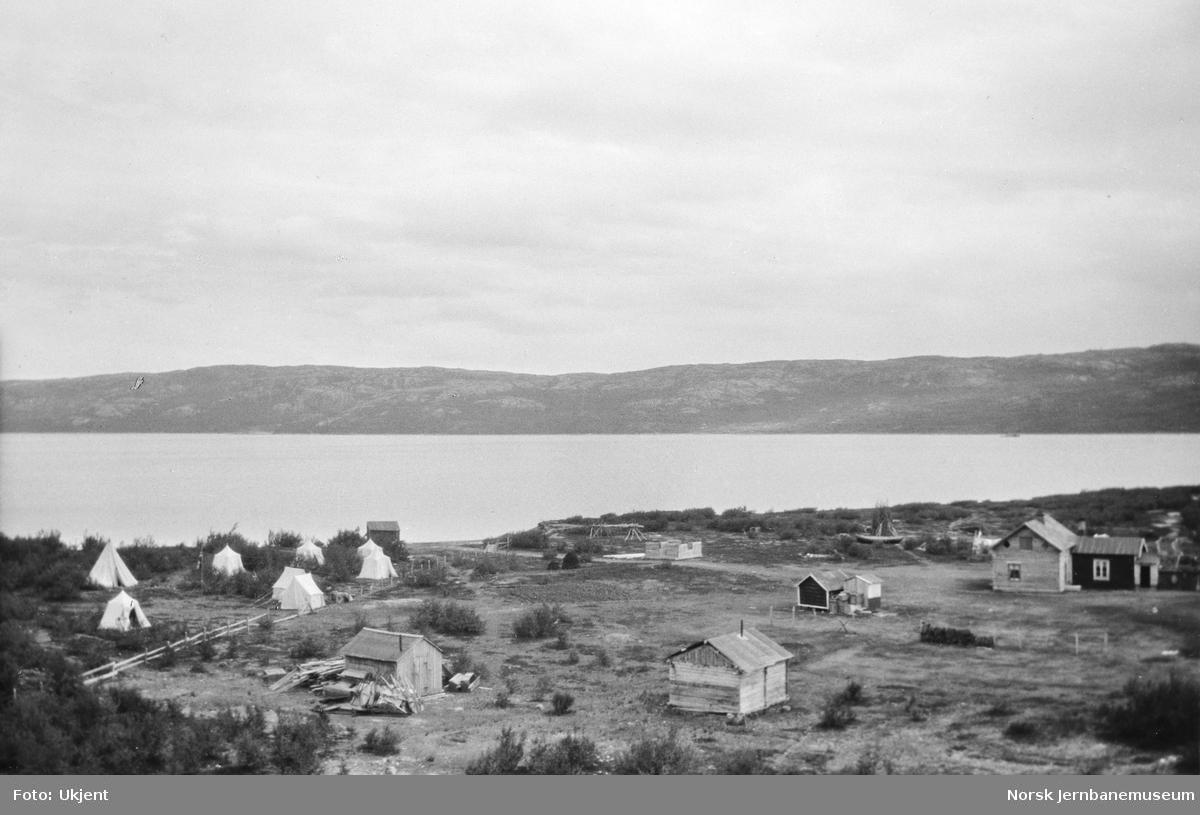 Jernbanestikking i Finnmark : teltleir på Sandtangen