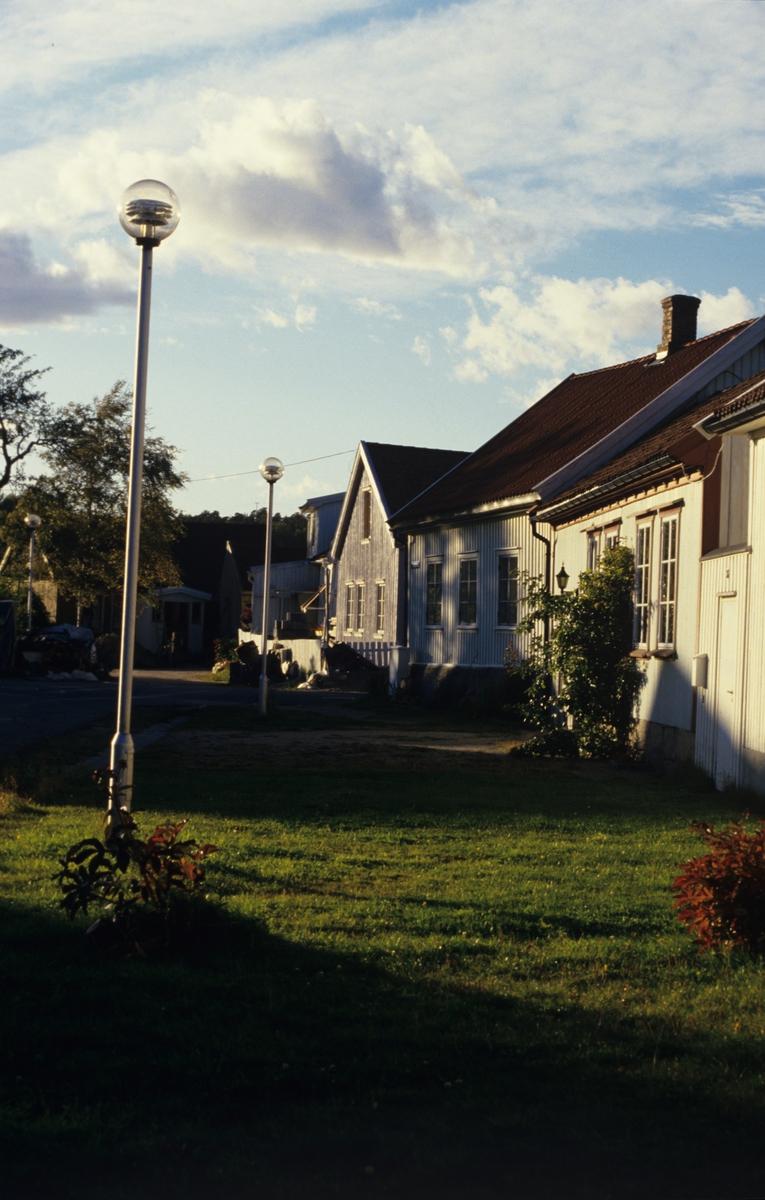 Bebyggelse i Lodsgaten, Vaterland, Fredrikstad.  Illustrasjonsbilde fra Bonytt 1987.