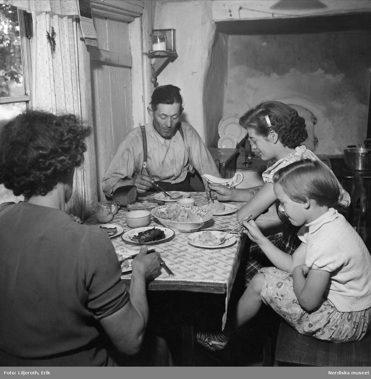 Matdags hos en småbrukare familj