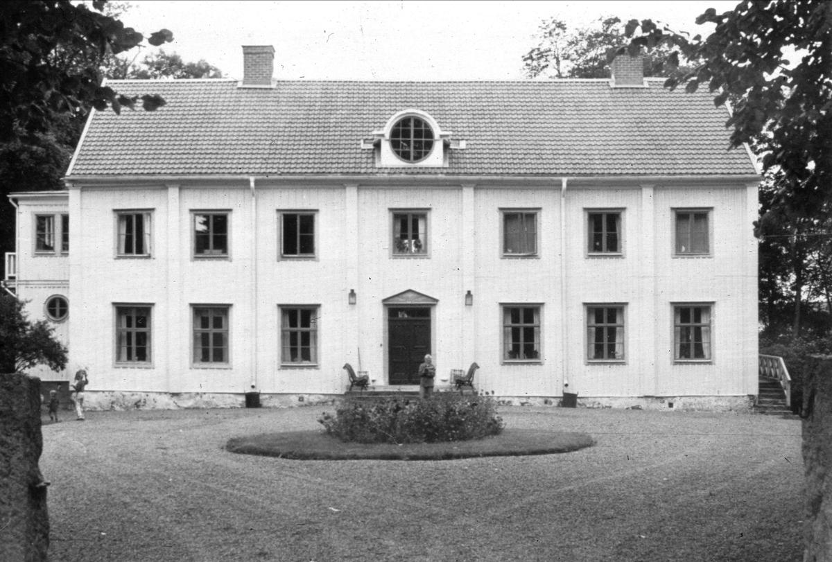 Huvudbyggnaden på Risberga gård, Risberga, Östuna socken, Uppland