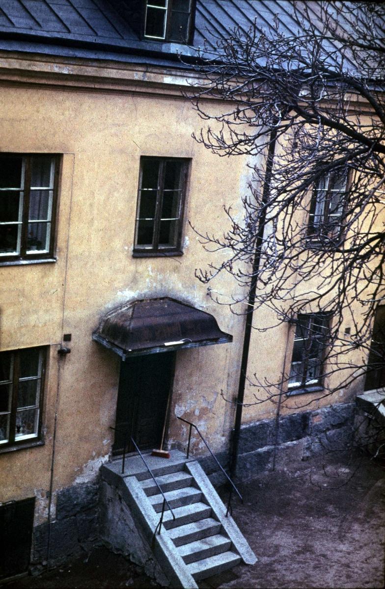 Gårdsinteriör, kvarteret Hörnet, Övre Slottsgatan 30, Uppsala 1968