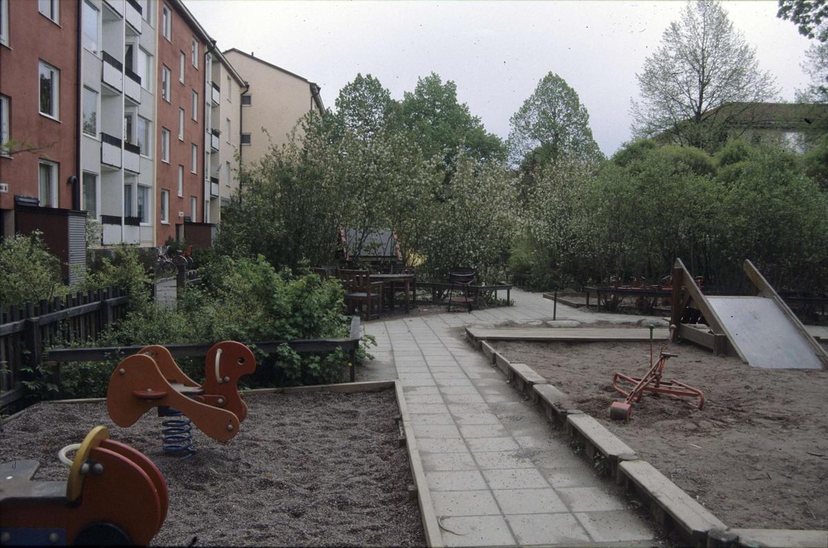 Gröna gatan, kvarteret Källan, Sala backe, Uppsala 2001