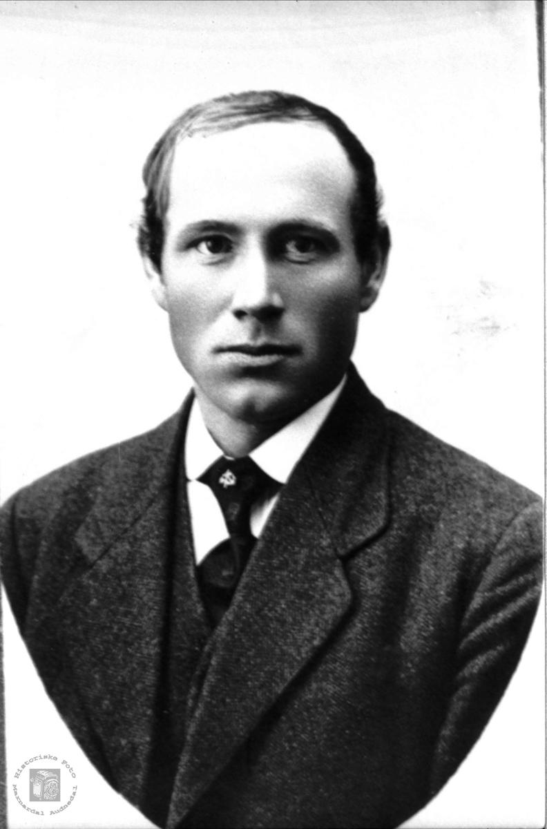Portrett av Nils K. Tønnesland, Bjelland.
