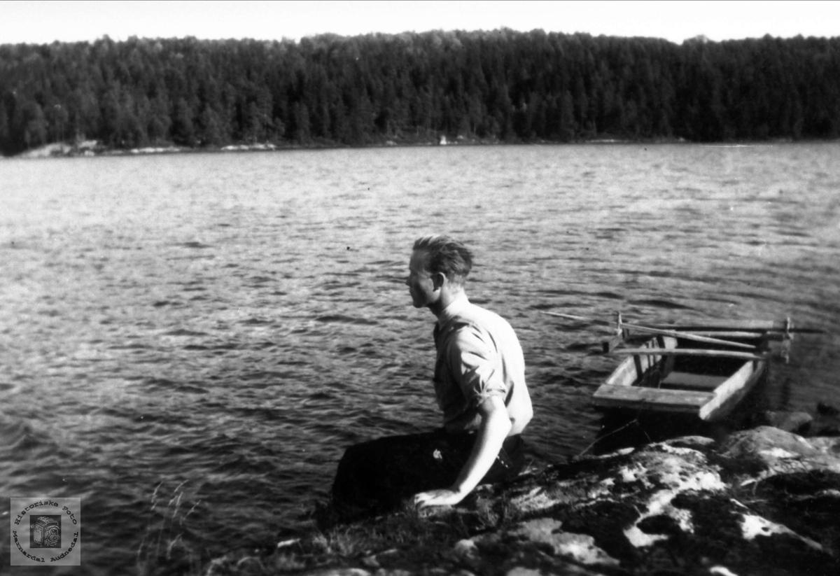 Torgeir Hjemlestad ved Trånevann, Bjelland.