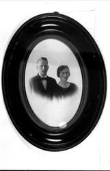 Forlovet par, Oluf og Marie Heddeland, Øyslebø.