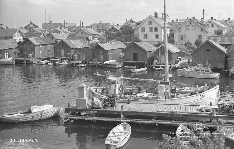 """Enligt AB Flygtrafik Bengtsfors: """"Gullholmen sjöbodar Bohuslän""""."""