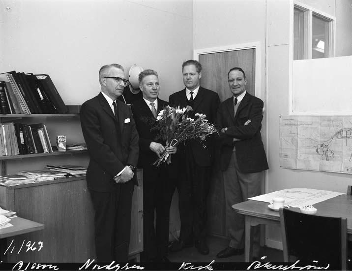 Pensionärer som avtackas. Från vänster Olsson, Nordgren, Owe Krok och Carl-Åke Åkerström.