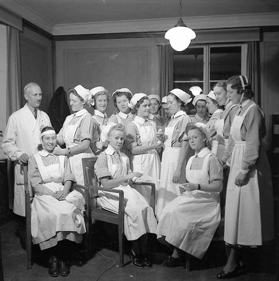 """Enligt notering: """"Lasarettet Krigssjuksköterskor 1949""""."""