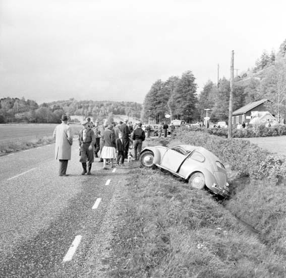 """Enligt notering: """"Bilolycka Rotviksbro 27/9 -59""""."""