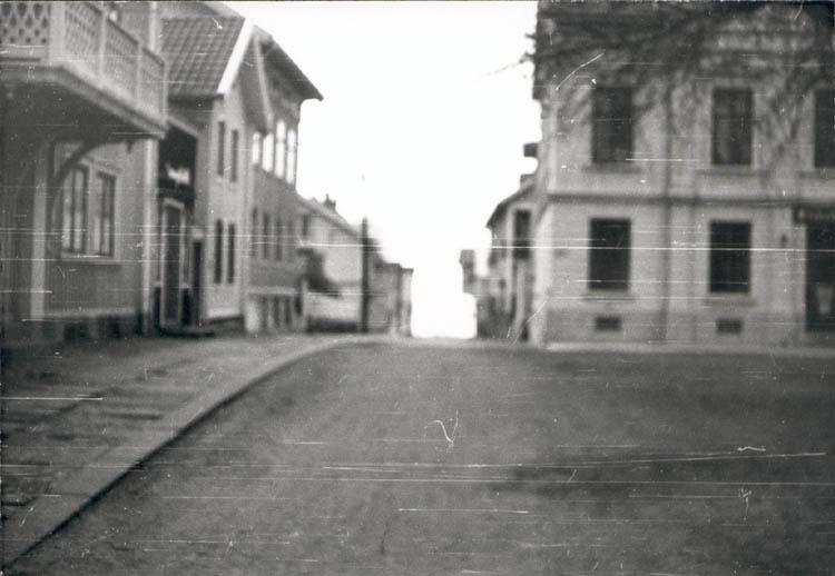 """Noterat på kortet: """"Marstrand juldagen 1959."""" ::"""