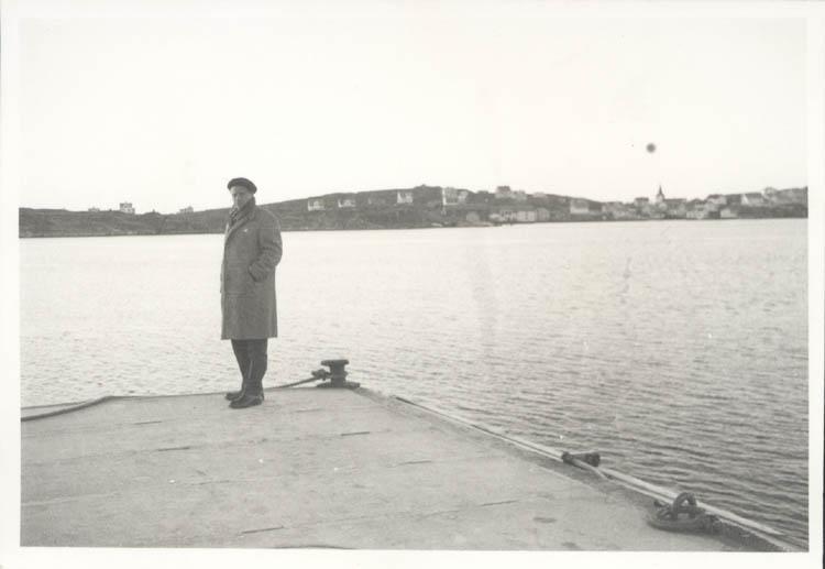 """Noterat på kortet: """"Tuvesvik."""" """"26.12.1961."""""""