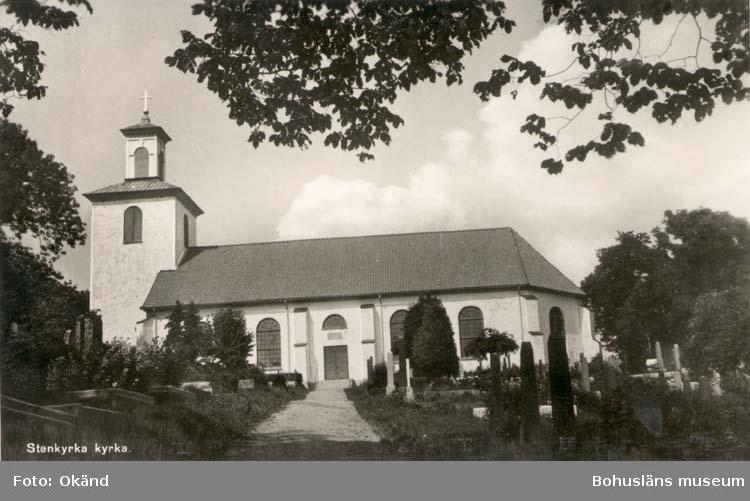 """Tryckt text på kortet: """"Stenkyrka kyrka."""""""