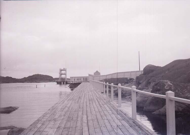 """Enligt text som medföljde bilden: """"Kallbadhuset, Långedrag 3/9 08""""."""