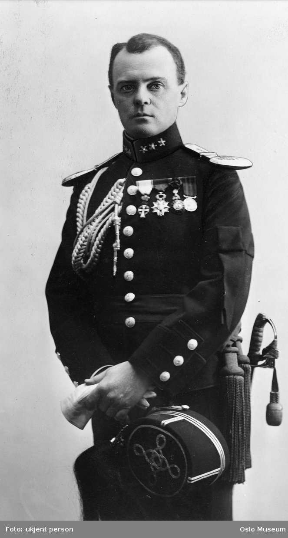 portrett, mann, generalmajor, uniform, stående knefigur