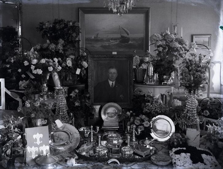 """""""1931. 37. Direktör O. Bildt troligen 50-års dag."""""""