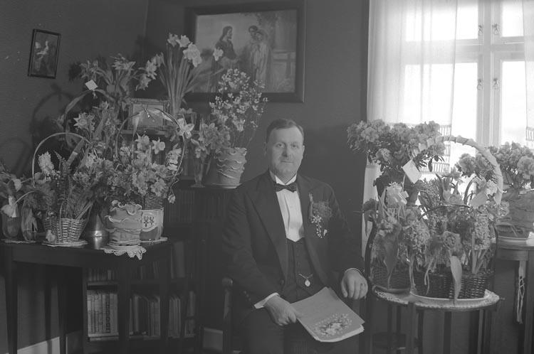 """Enligt fotografens noteringar: """"Nr. 14. 1937. Verkmästare Fredriksson 50-årsdag""""."""