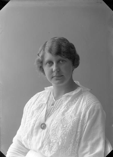 """Fotografens journal nr 2 1909-1915: """"Bratt, Fru Göteborg""""."""