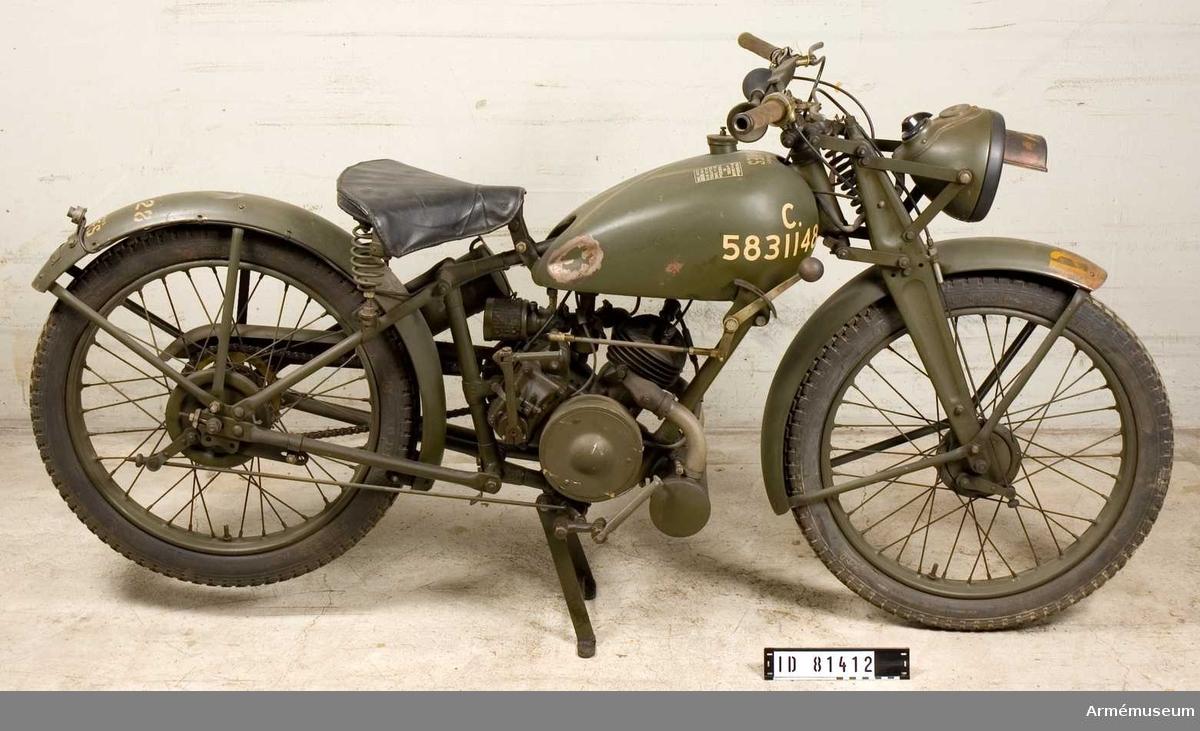 Grupp I VII.  Lättviktsmotorcykel för fallskärmsjägare, Storbritannien. Ramnr 4772.