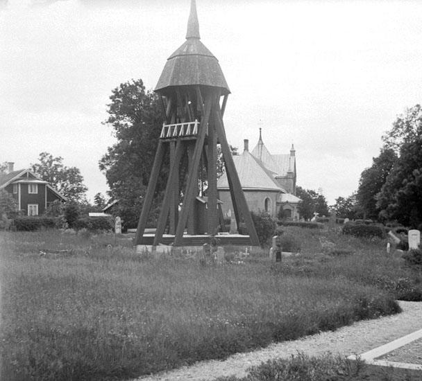 (Stereo karta XIX) Foss kyrka och klockstapel. 7 Juli 1928