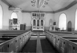 """Text till kortet: """"Interiör af Ljungs kyrka""""."""