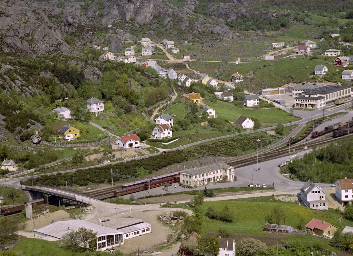 Eide, jernbanestasjonen