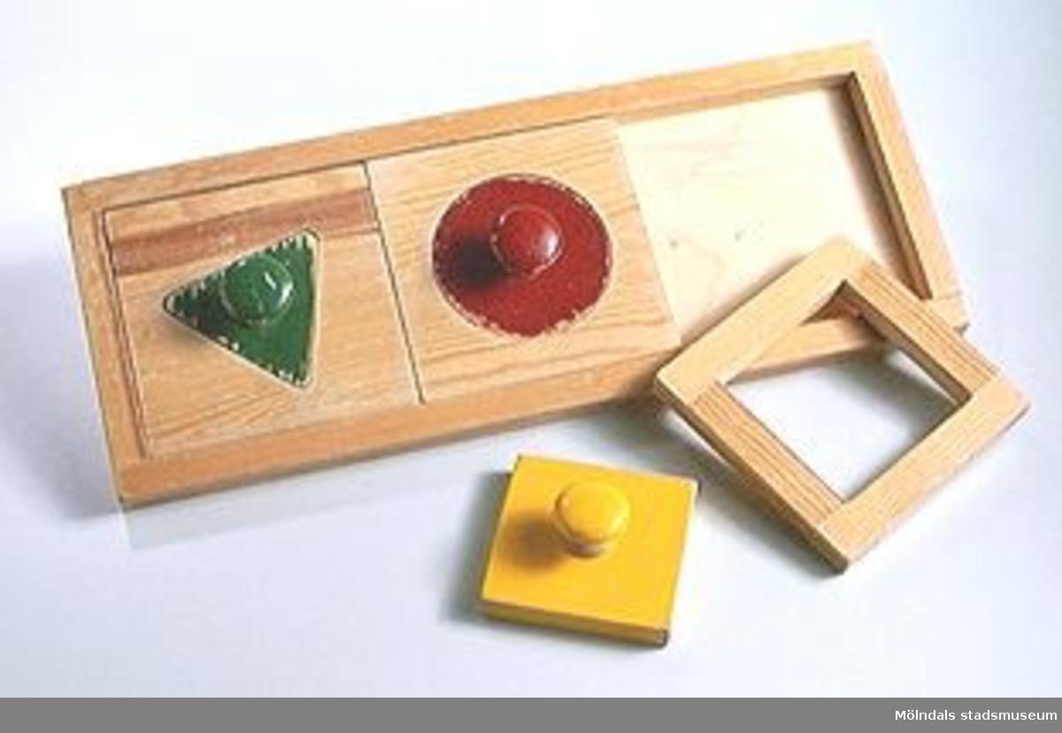 """Pedagogiskt pussel """"geometriskt"""".Ingår i Holtermanska samlingen."""