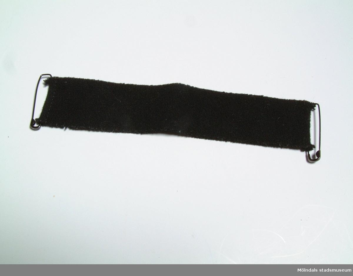 Sorgband. Användes sista gången 1971, efter det att givarens svärfar dött.