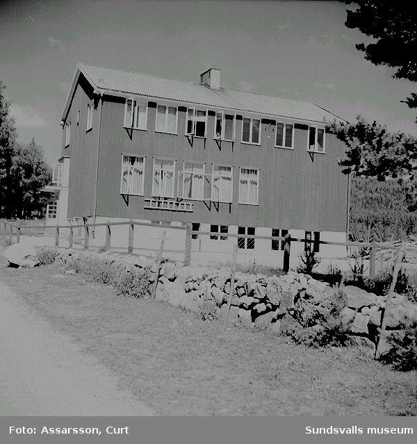 Skolan i By, uppförd 1938.