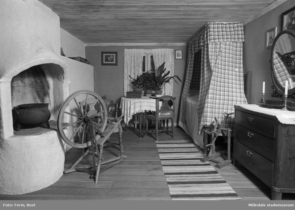 Mölndals museums basutställningar: Olas stuga.