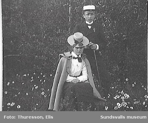 Elsa Andersson, gift med Axel Thuresson 1905, och Elis Thuresson.