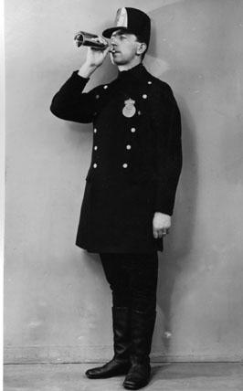Postiljonsuniform, 1840-talet. (Uniformen förvaras i Postmuseum).