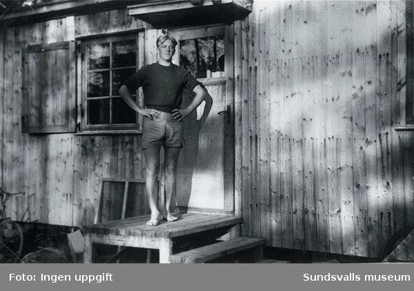 Barack för norska krigsflyktingar på skogsarbete i Gillhov 1943.