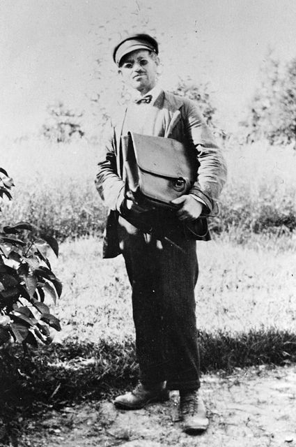 "Lantbrevbärare Albin Andersson ""Post-Albin""  lantbrevbärare 1864 - 1937, Dals Rostock."