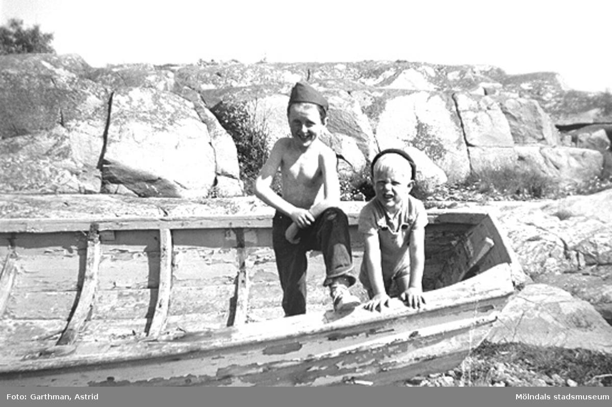 I familjen Garthmans eka vid Näset. Bröderna Leif och Alf. 1950-tal.