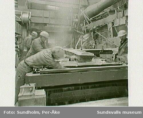 Dokument av aluminiumsmältverket GA Metall AB, Sundsvall. Samtidig dokumentation med Tekniska museet, Stockholm.