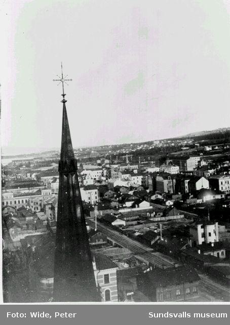 Utsikt från kyrktornet mot sydost.