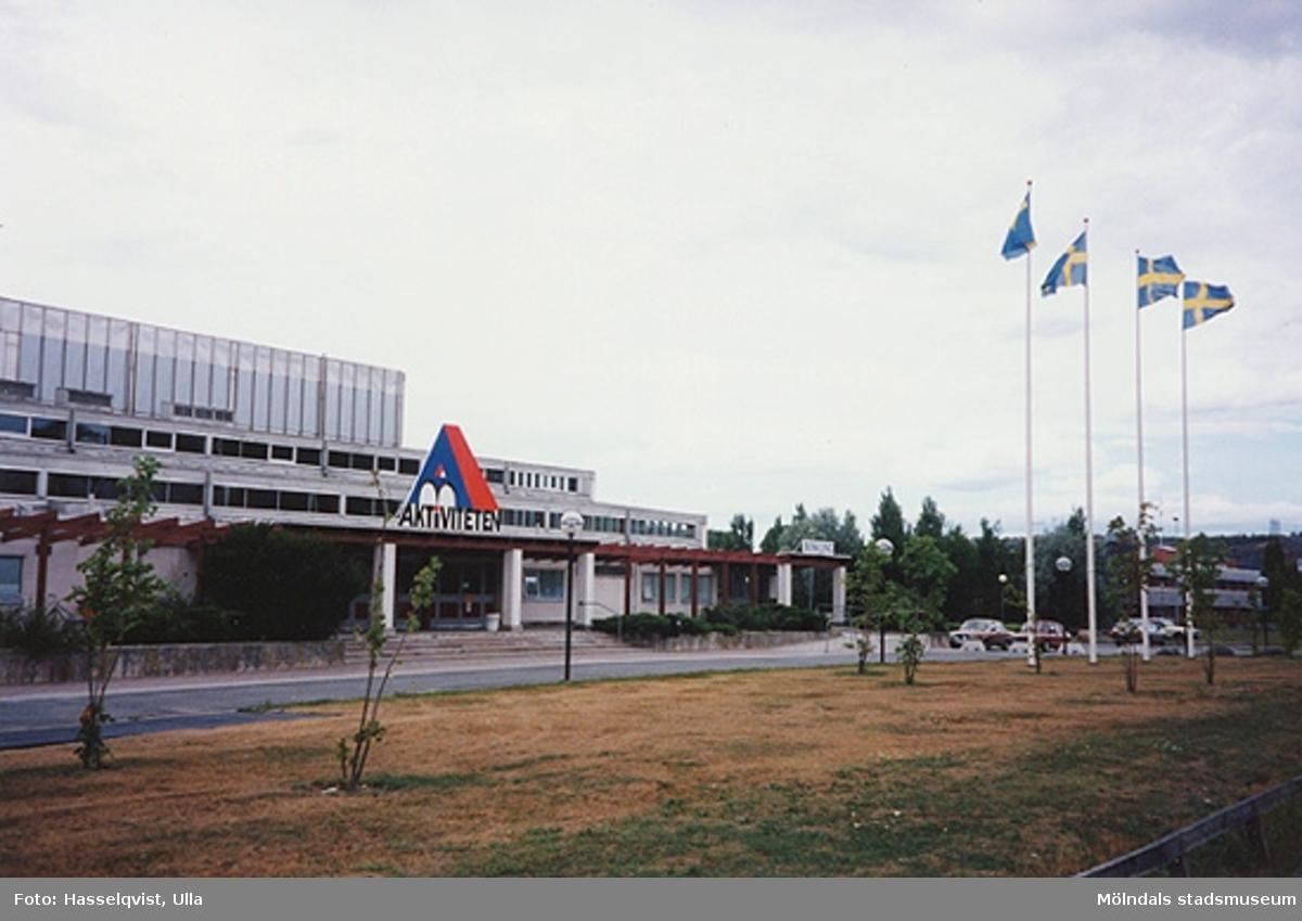 """Byggnaden """"Aktiviteten"""" i aug. 1994."""
