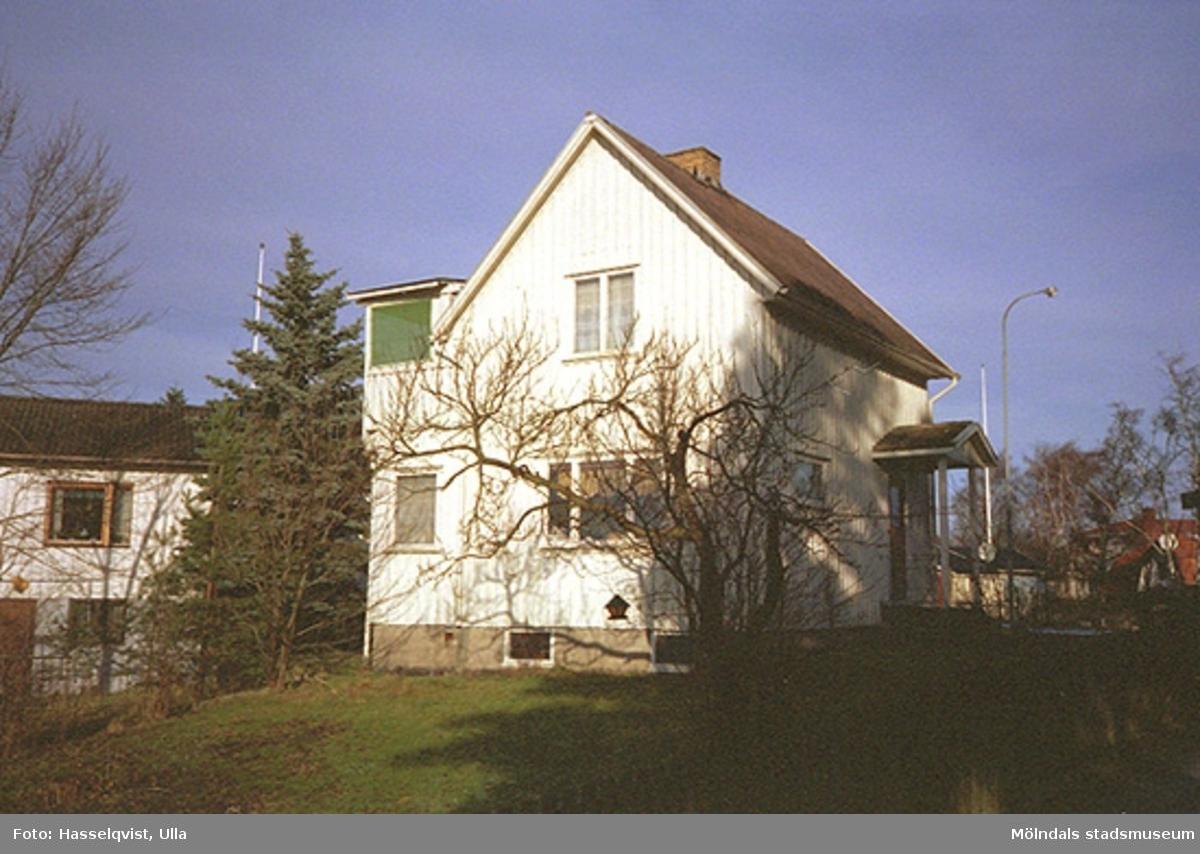 Villa på Vitmossegatan 6, Enbäret 7, år 1997. Hör samman med: 2002_0041 - 0046.