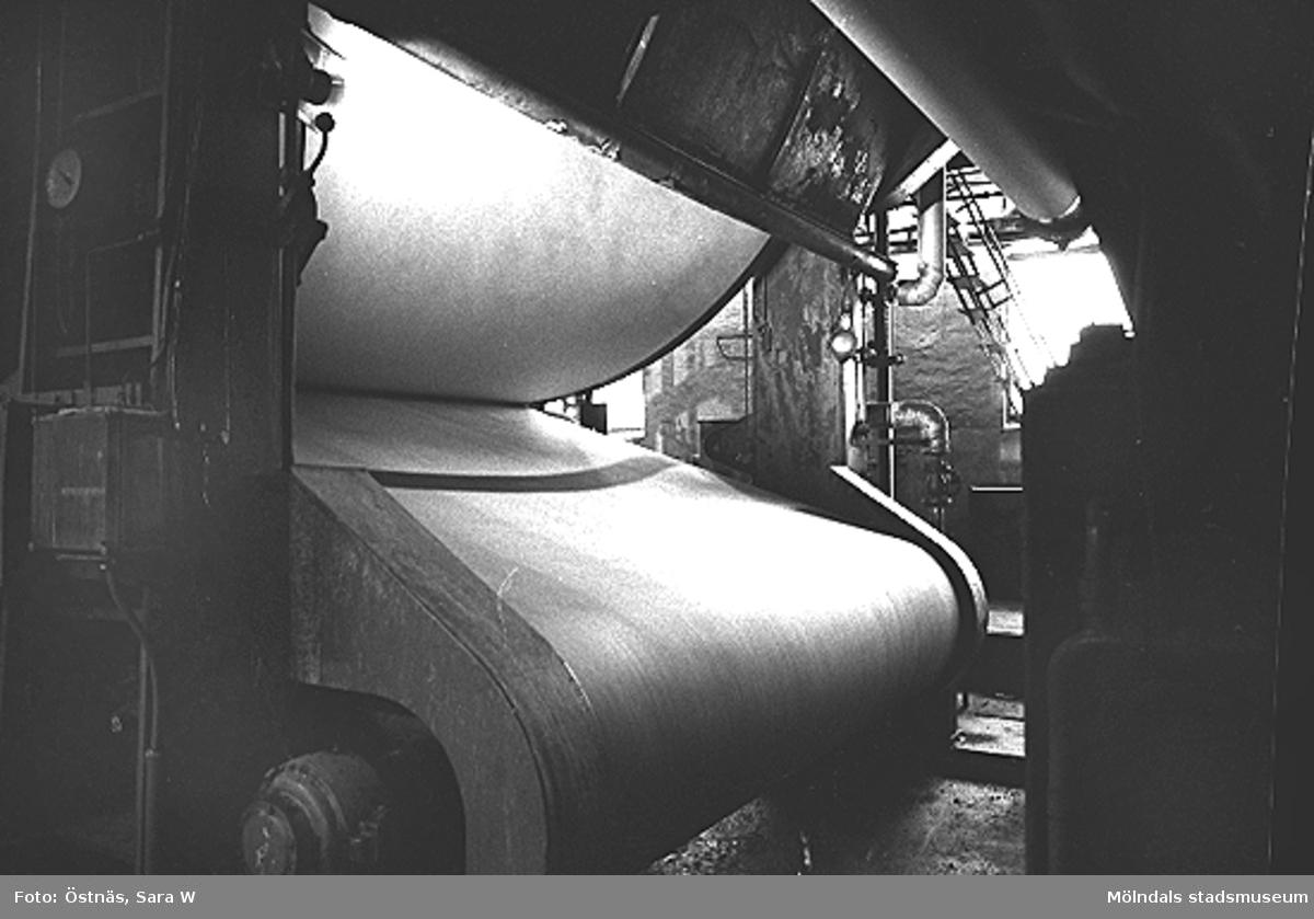 En maskin för papperstillverkning.Bilden ingår i serie från produktion och interiör på pappersindustrin Papyrus.
