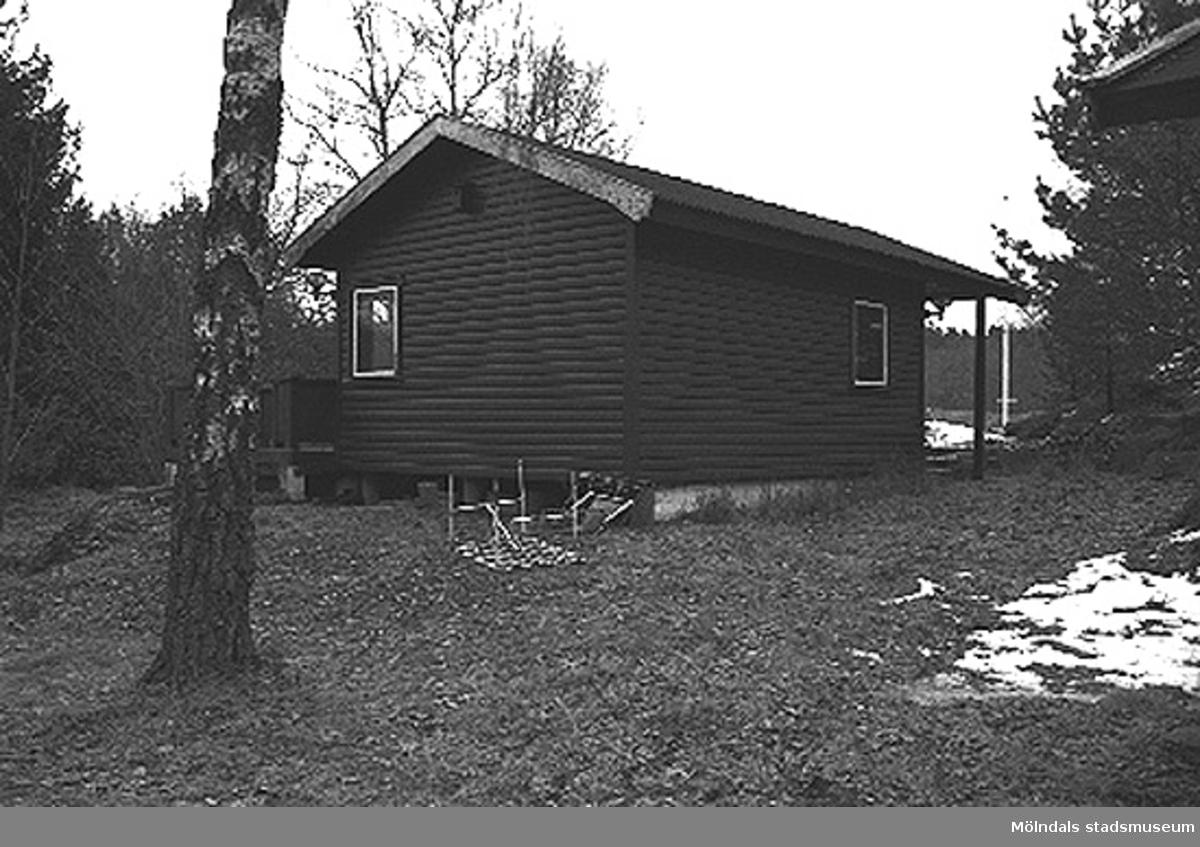 Bostadshus från sydväst.Gastorp 3:48 i (Lindome?), 1996-03-18.