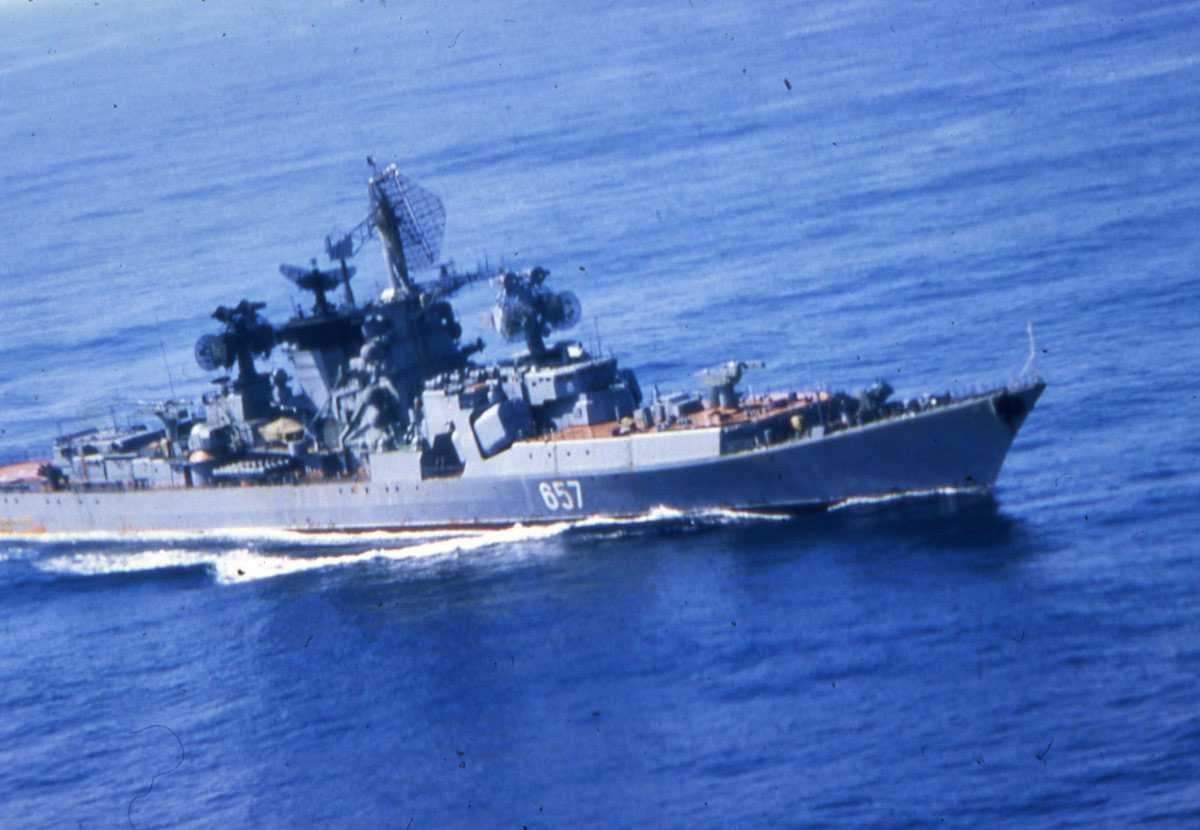 Russisk fartøy av Kresta II - klassen med nr. 657.