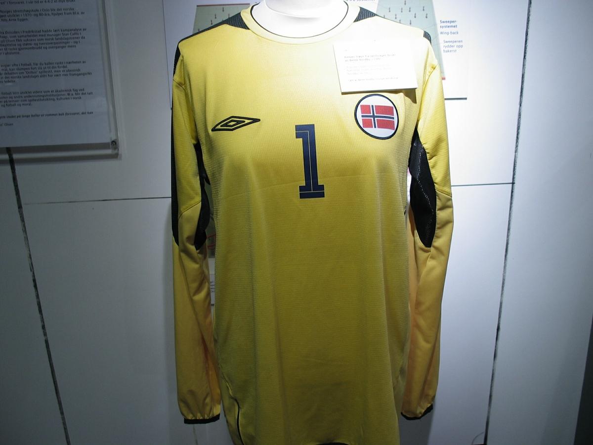 d5d81488 Fotballtrøye - Fotballmuseet / DigitaltMuseum