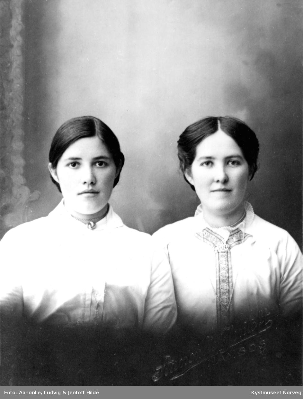 Jenny Laukvik og Martine Mathisen Kråkøy
