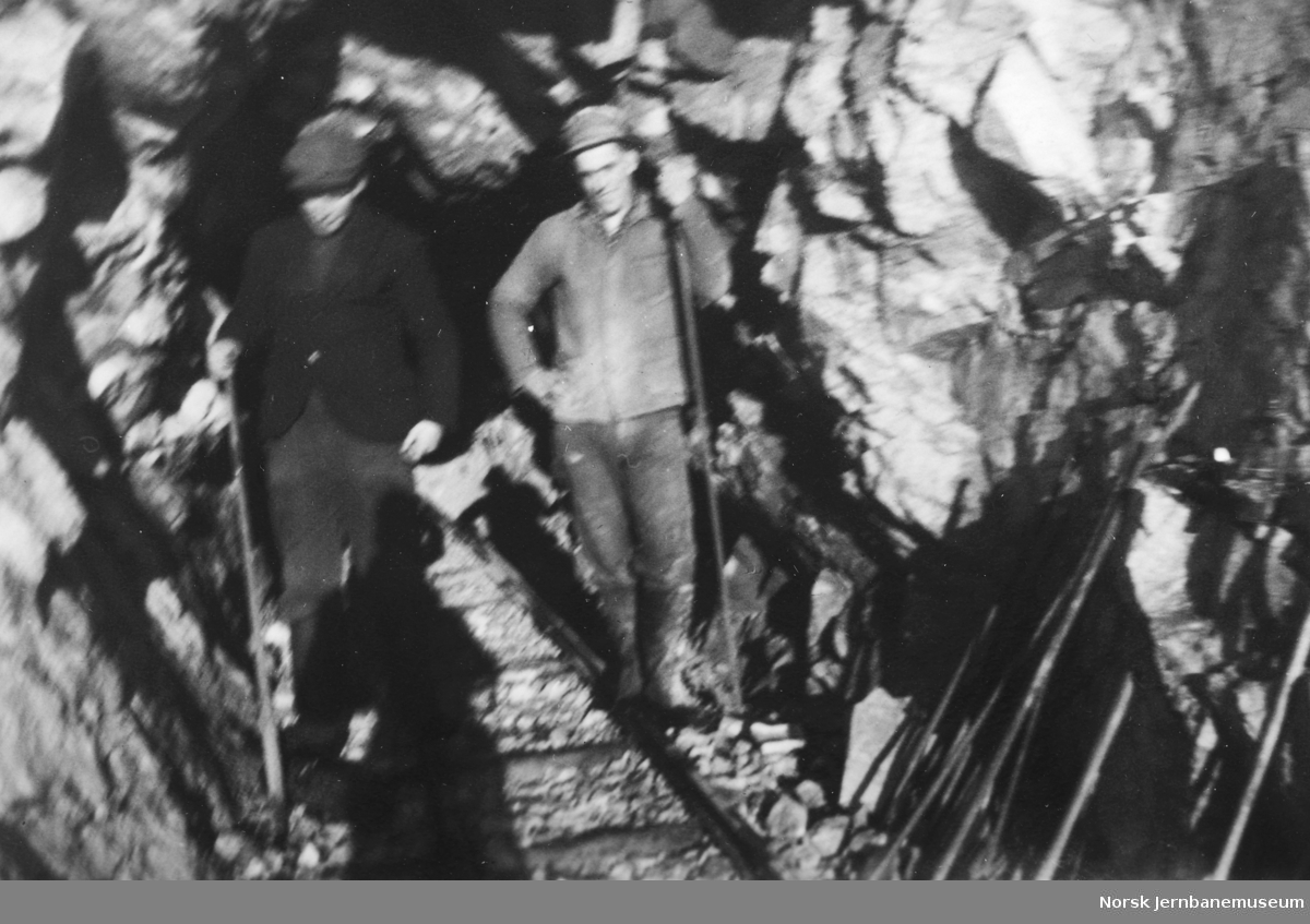 Tunnelarbeid på Jærbanen eller Flekkefjordbanen i forbindelse med omleggingen til normalspor