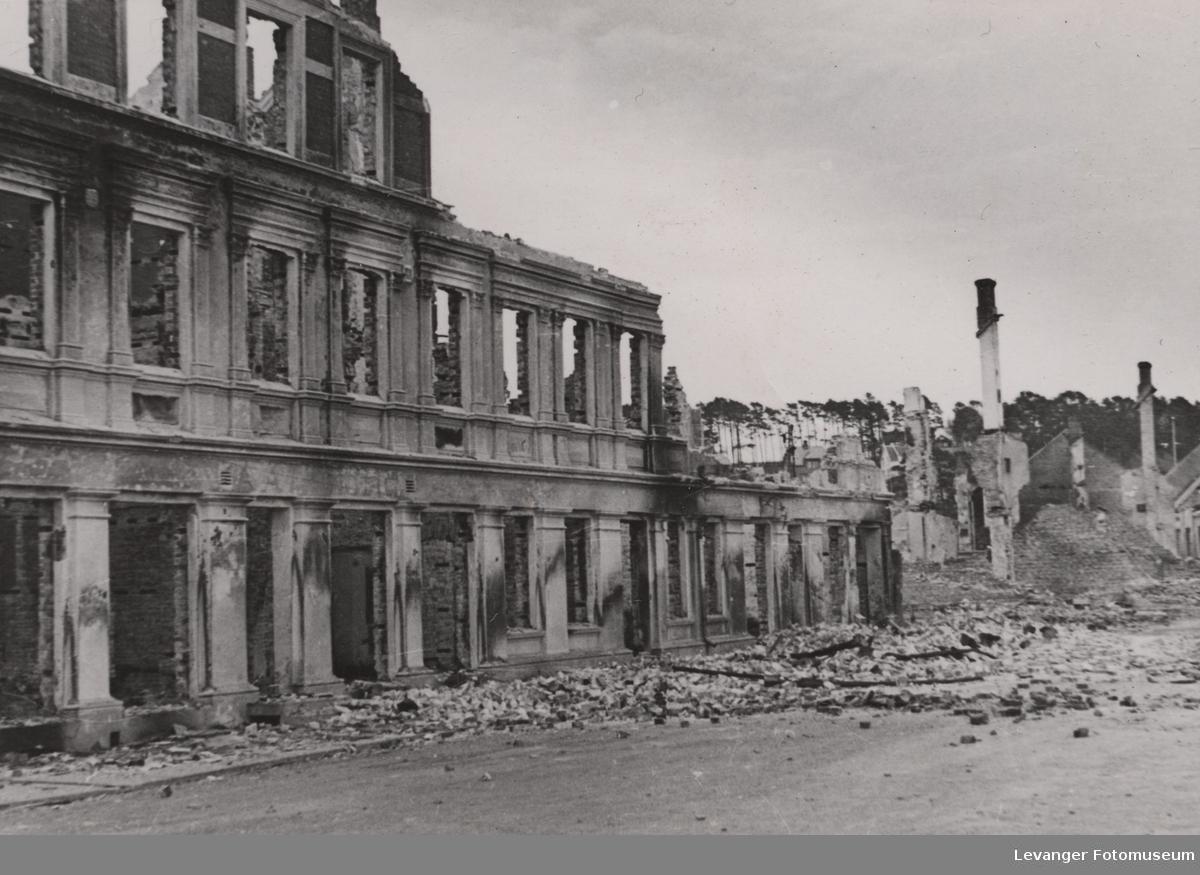 Utbombet bygning i Steinkjer.