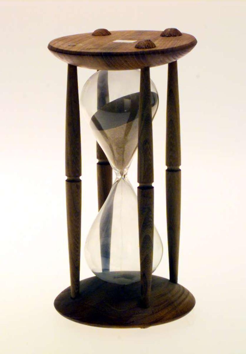Timeglass i et trestativ.